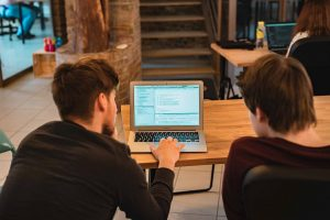 Java programokkal a hétköznapokban is gyakran találkozunk. A programozási nyelv a Progmaticnál is kitanulható